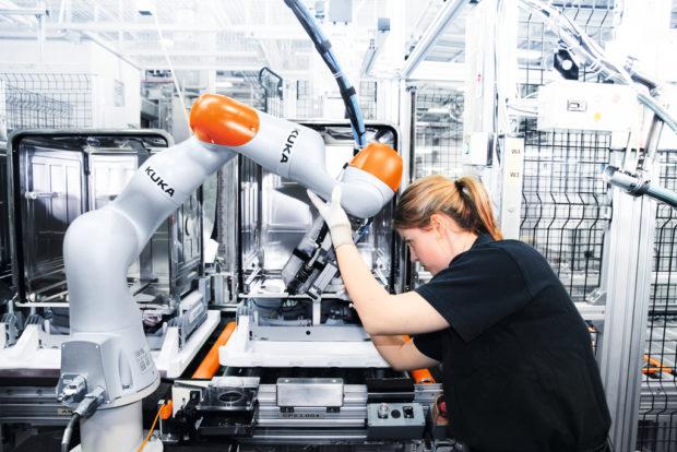 Pokročilá automatizace kalibračních procesů s roboty KUKA