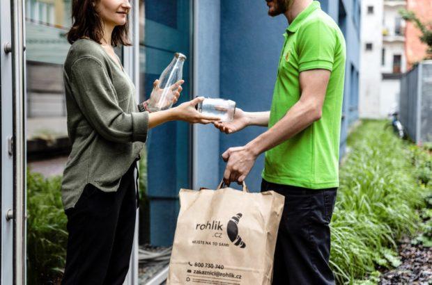 Rohlik.cz nabízí možnost nakupování ve vratných nádobách