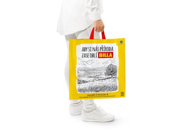 Billa začíná nabízet zákazníkům tašky z recyklovaného plastu