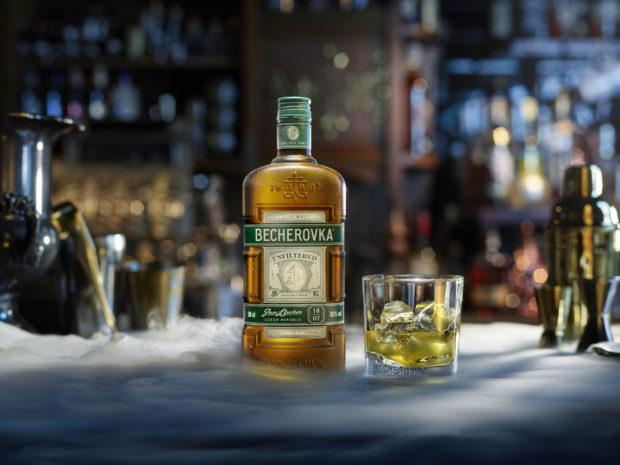 Nefiltrovaná Becherovka byla oceněna za design lahve