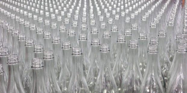 LCA studie pro společnost ALPLA: nejhorší pro životní prostředí je nevratná skleněná láhev
