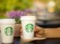 Jednorázové papírové kelímky si ve Starbucksu už musíte kupovat