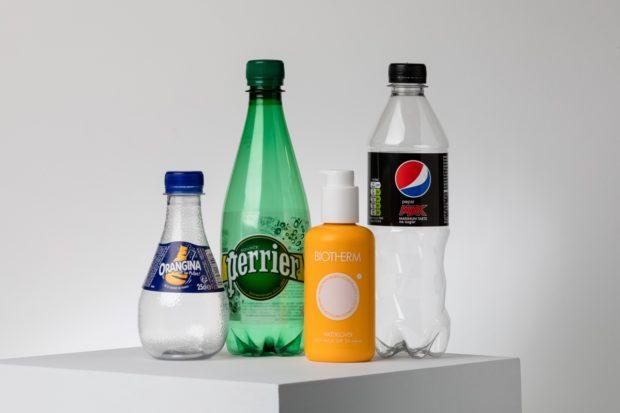 První enzymaticky recyklované lahve jsou na světě