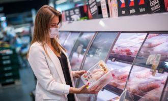 QR kódy na obalech pomůžou zákazníkům Albertu zjistit původ Královských kuřat i podmínky chovů